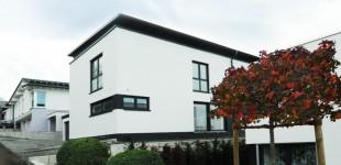 Modernes Einfamilienhaus im Bauhausstil